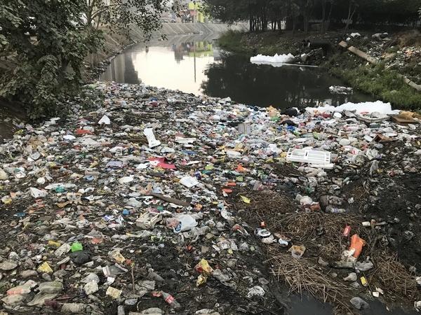 Urban water pollution in New Delhi, India
